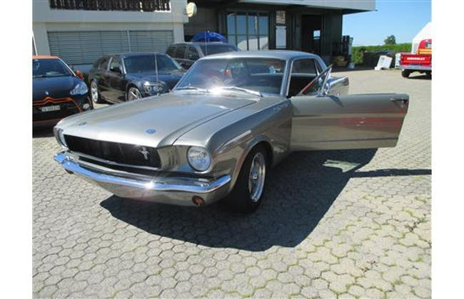 saloon Ford Mustang Mustang
