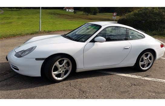 sportscar Porsche 911 Carrera 4