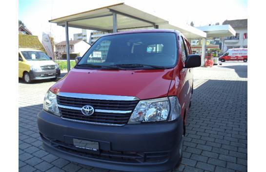 saloon Toyota Hiace D-4D Van SWB