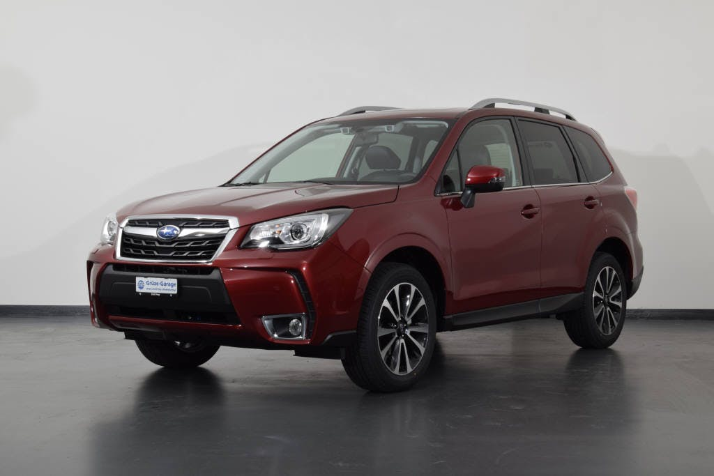 saloon Subaru Forester 2.0 Executive