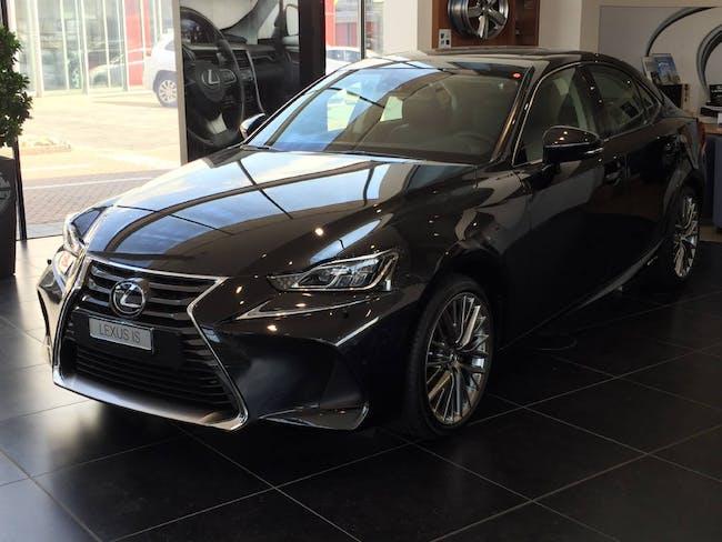 estate Lexus IS 300h Excellence
