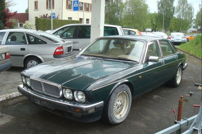 saloon Daimler Six 4.0 Six