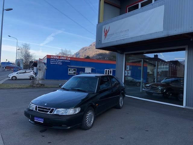 saloon Saab 900 S 2.0i-16 Turbo