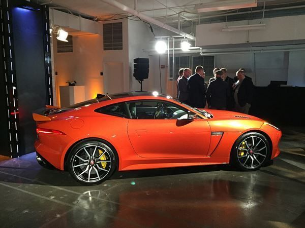 coupe Jaguar F-Type Coupé 5.0 V8 S/C SVR AWD Automatik