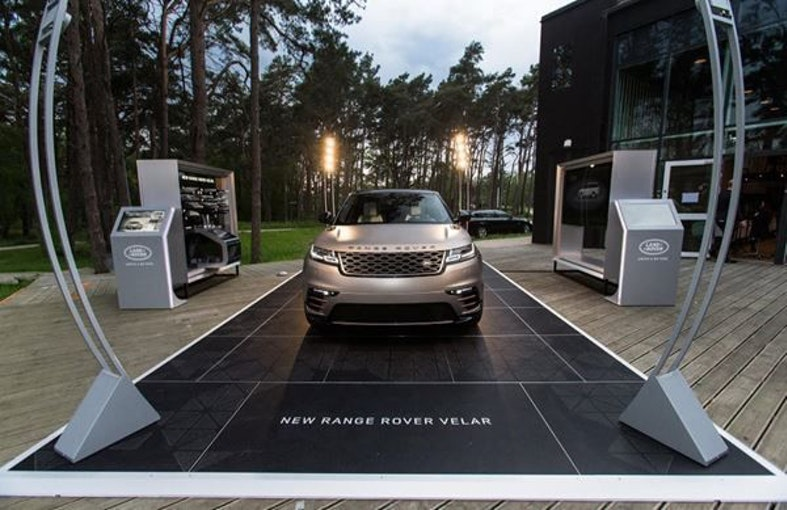 Land Rover Range Rover Velar P 380 First Edition Automatic 1 km 106'575 CHF - buy on carforyou.ch - 1