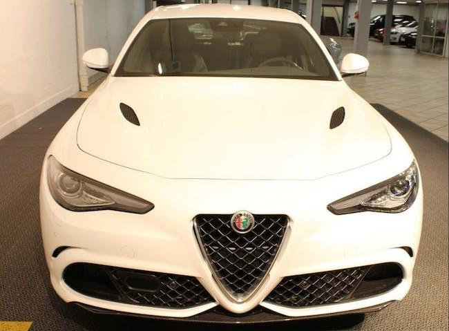 saloon Alfa Romeo Giulia 2.2 JTDM Automatic
