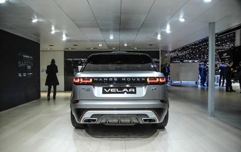 Land Rover Range Rover Velar P 300 SE Automatic 1 km 70'905 CHF - buy on carforyou.ch - 1