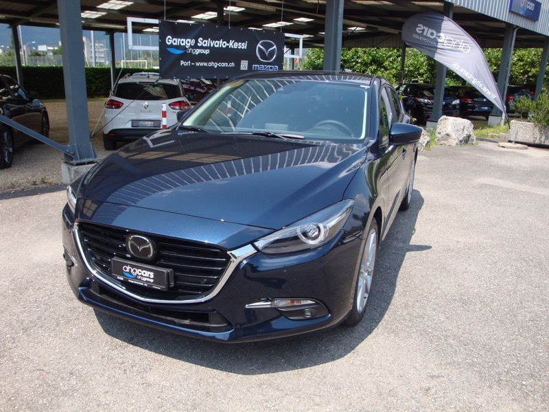 saloon Mazda 3 2.0 120 Revolution