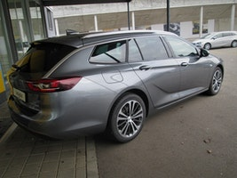 Opel Insignia Sports Tourer 1.5 T Excellence 5'000 km CHF36'900 - buy on carforyou.ch - 2