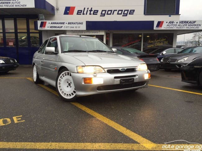 saloon Ford Escort 2.0i RS Cosworth
