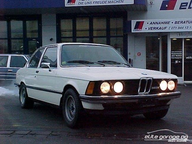 coupe BMW 3er 323 i E21