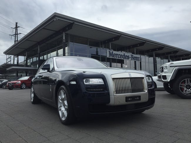 saloon Rolls Royce Ghost 6.6 V12