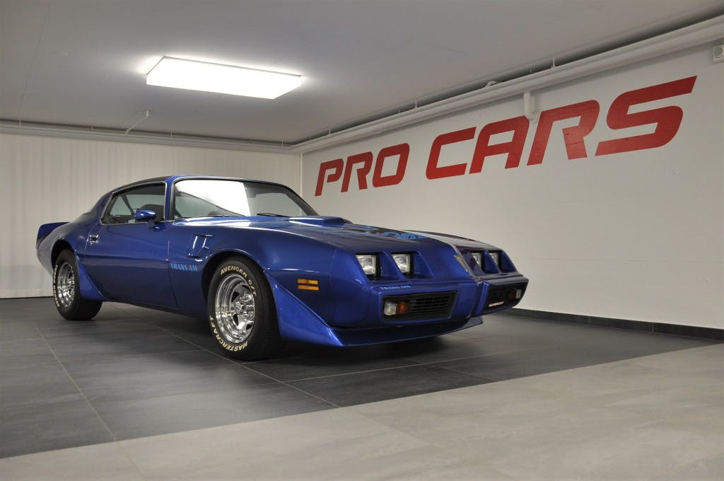 saloon Pontiac Firebird Trans Am 5.0