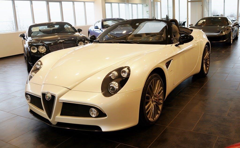 cabriolet Alfa Romeo 8C Competizione Spider