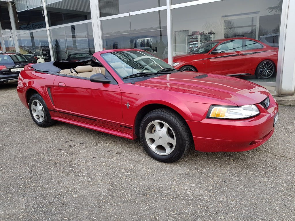 coupe Ford Mustang Cabrio 3.8 GT
