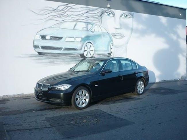 saloon BMW 3er E90 330i