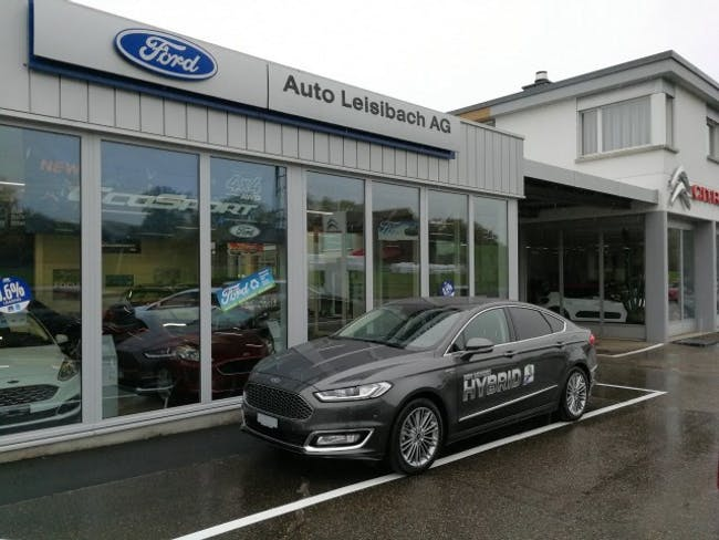 saloon Ford Mondeo 2.0 HEV Vignale