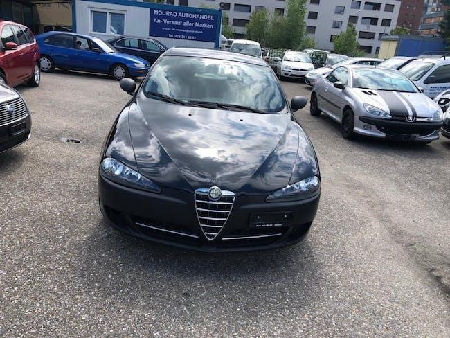 saloon Alfa Romeo 147 1.9 16V JTD Distinctive