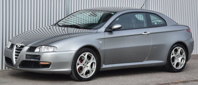 coupe Alfa Romeo GT 3.2 V6 Distinctive
