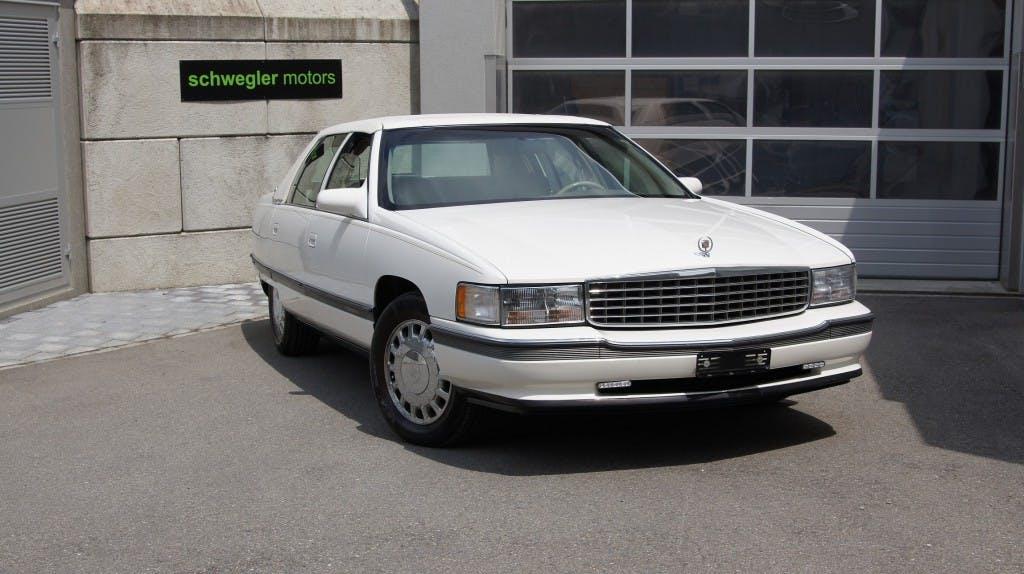 saloon Cadillac Deville Concours