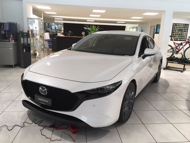 saloon Mazda 3 2.0/122 Revolution