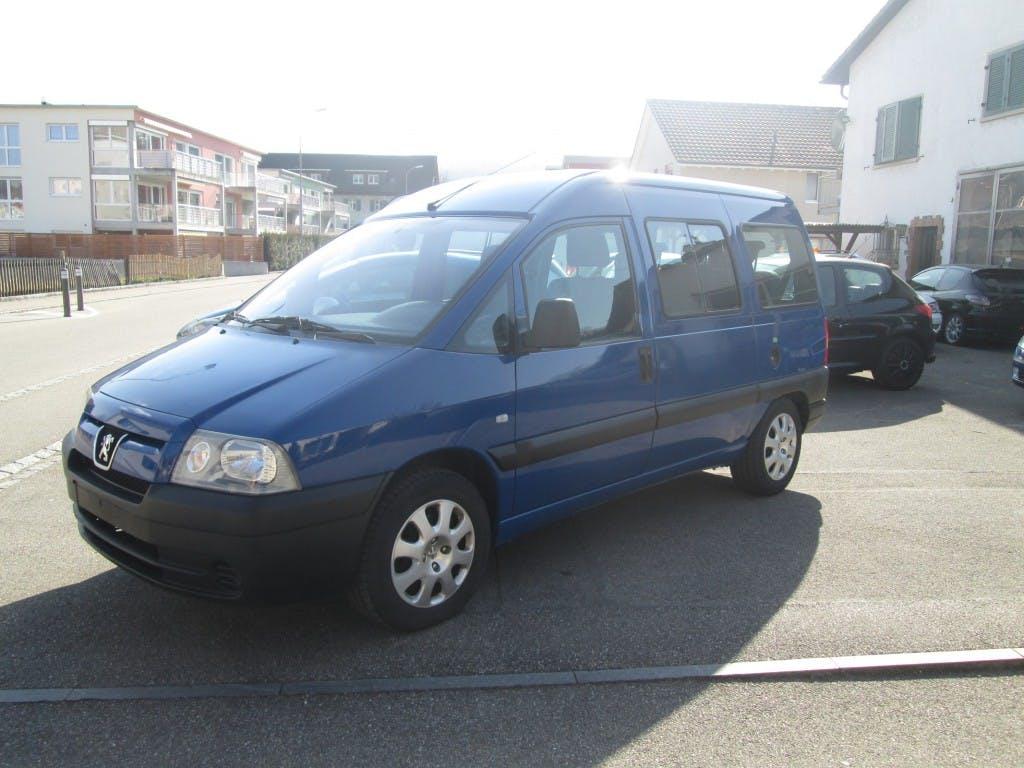 bus Peugeot Expert 2.0 220 C Conf.(SPE)