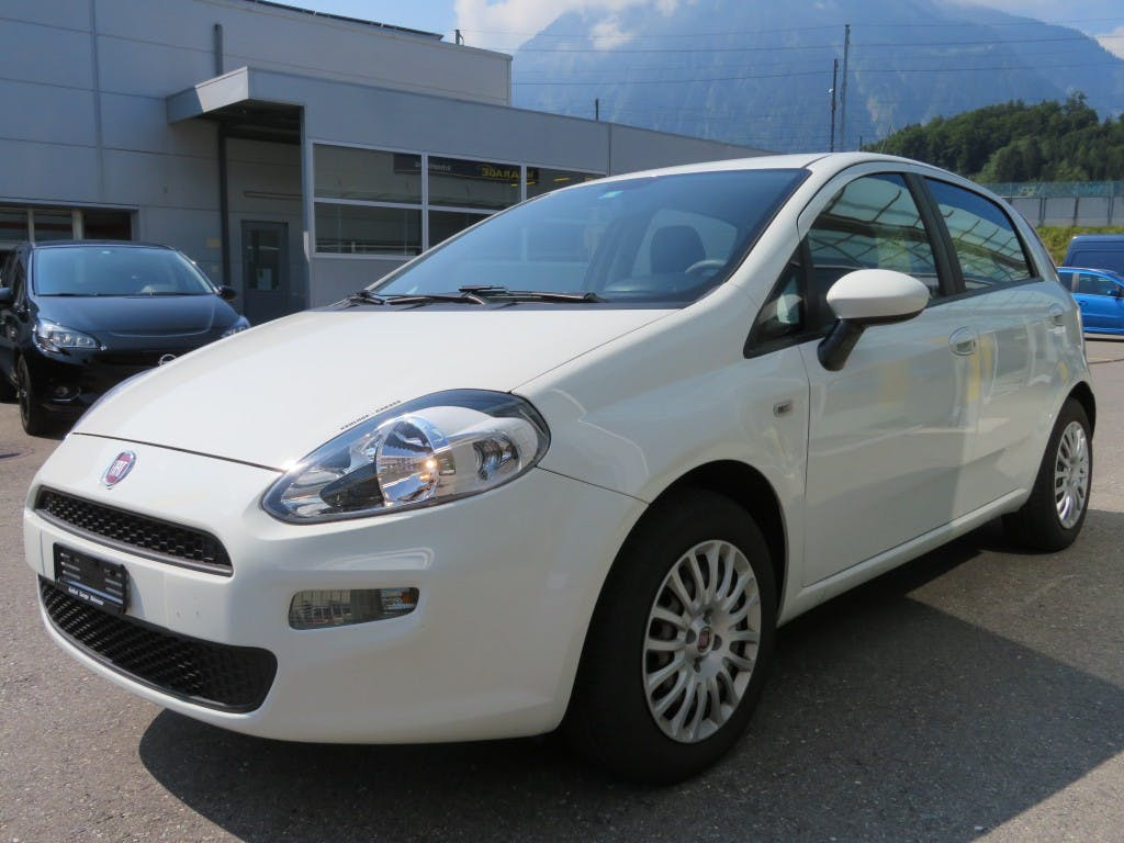 saloon Fiat Punto 1.2 Young