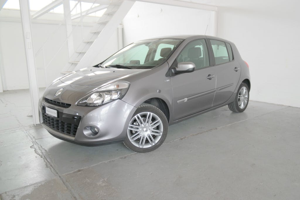 saloon Renault Clio 1.6 16V 110 Night&Day