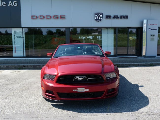 cabriolet Ford Mustang Premium