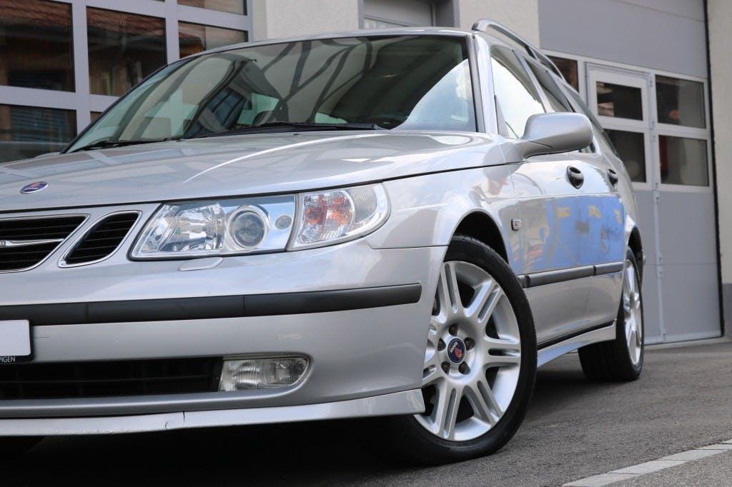 estate Saab 9-5 2.3t Vector Top