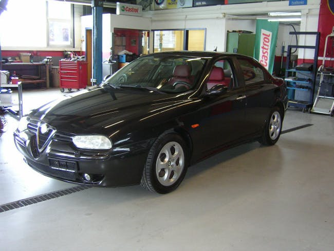 saloon Alfa Romeo 156 2.5 V6 Distinctive