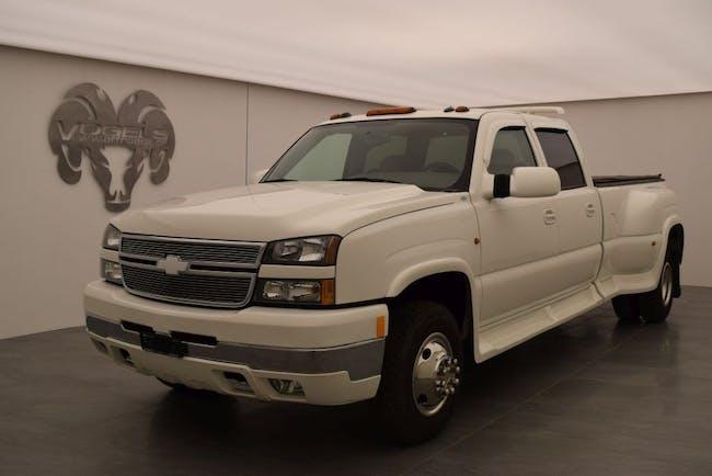 saloon Chevrolet Silverado 3500 8.1 Crew Cab