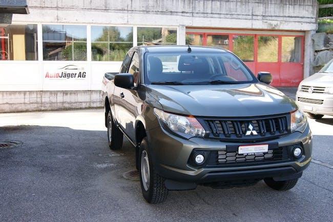 saloon Mitsubishi L200 L 200 2.4 DID Value Club Cab
