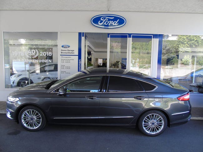 saloon Ford Mondeo 2.0 HEV 187 Vignale