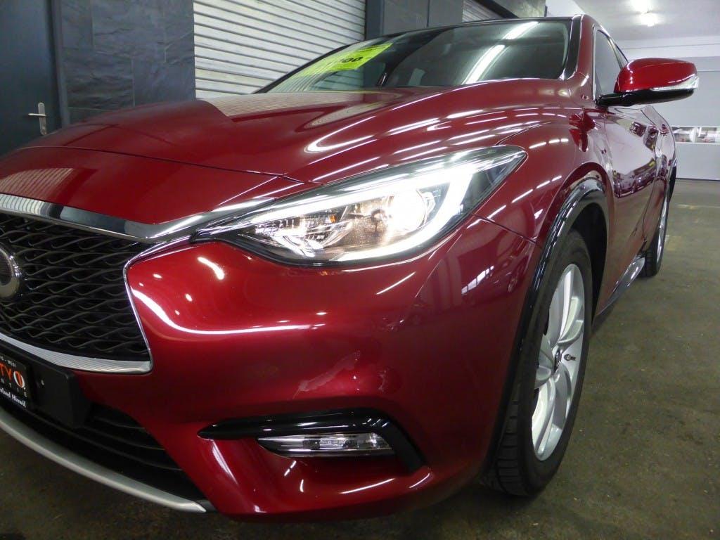 saloon Infiniti Q30 2.2d Premium AWD DCT