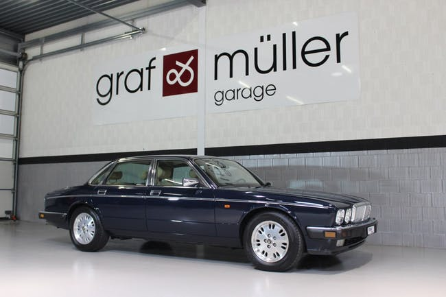 saloon Daimler Daimler 6.0 Double Six