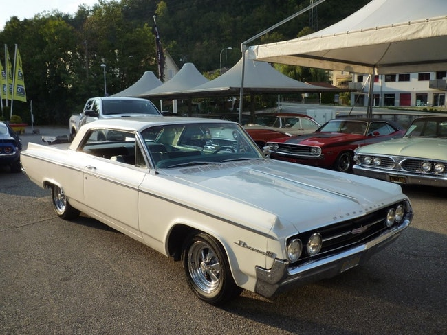 coupe Oldsmobile 88 Dynamic 88 Holiday