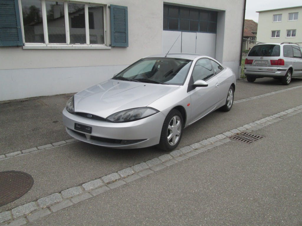 coupe Ford USA Cougar 2.5i V6 24V