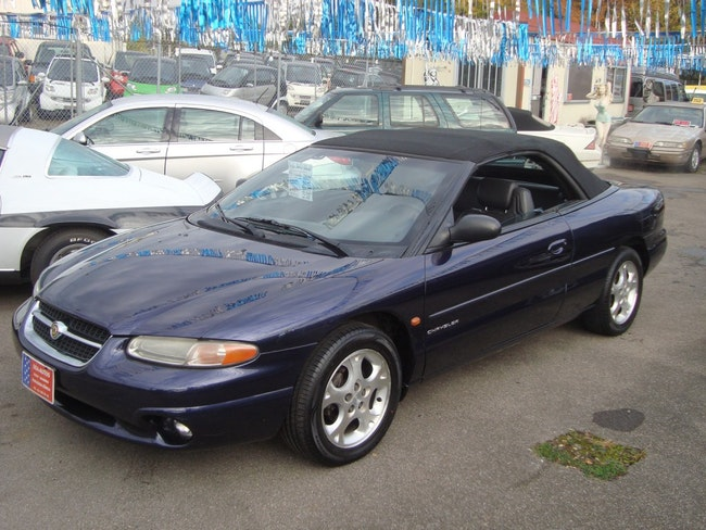 Chrysler Stratus 2.5 V6 LX Cabrio 170'000 km 4'850 CHF - buy on carforyou.ch - 1