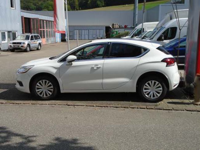 saloon DS Automobiles DS4 1.6 e-HDi So Chic EGS