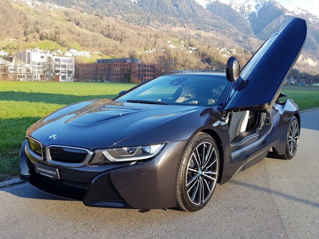 coupe BMW i8 Coupé LCI mit Premium Package und Sonderlackierung
