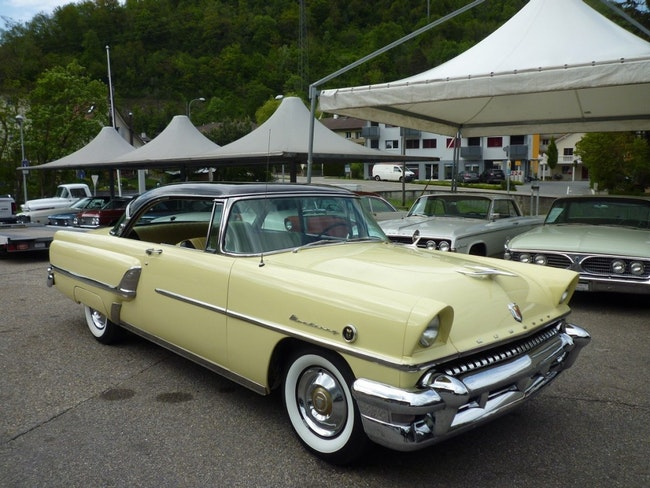 coupe Mercury Monterey 2-Door Hardtop