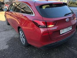 Hyundai i30 Wagon 1.6 CRDi Amplia 26'000 km CHF19'900 - kaufen auf carforyou.ch - 3