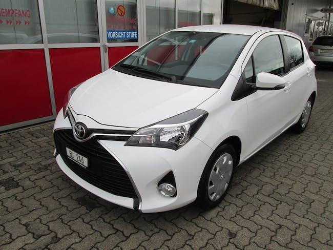 saloon Toyota Yaris 1.33 Trend
