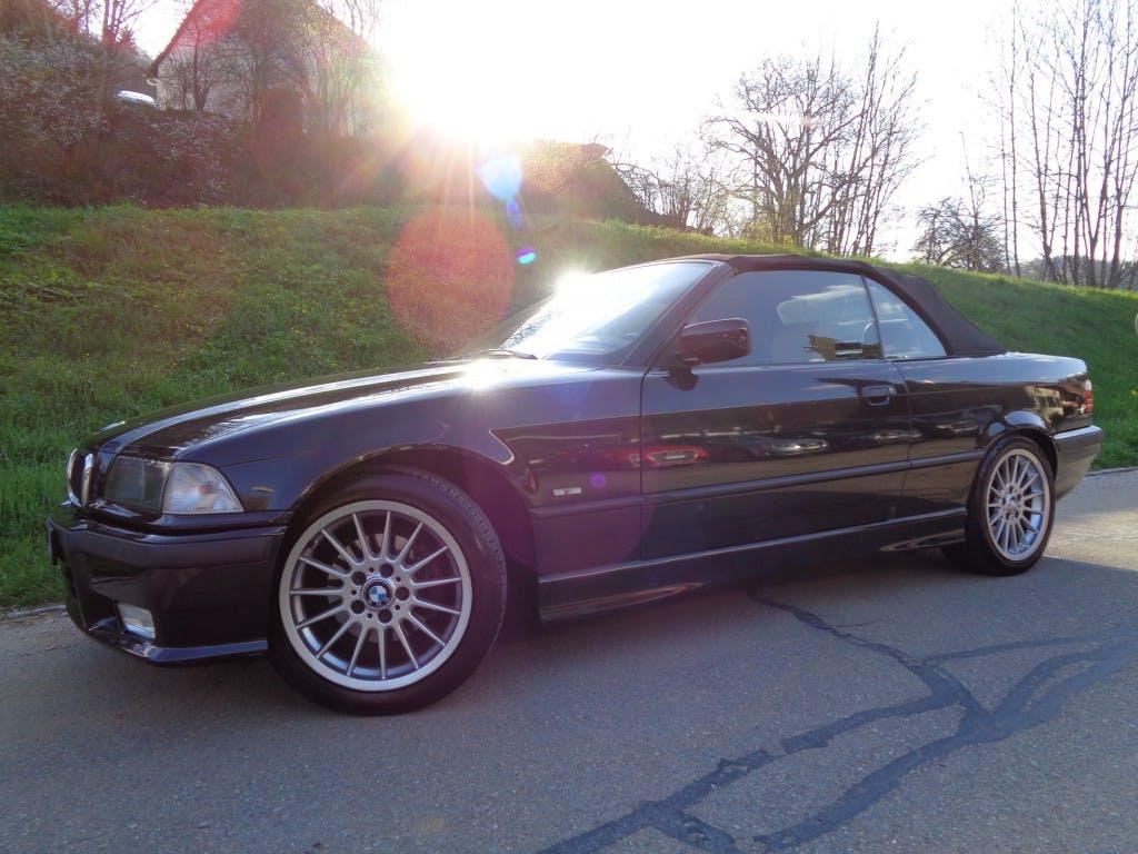 cabriolet BMW 3er 328i A Cabrio Sport