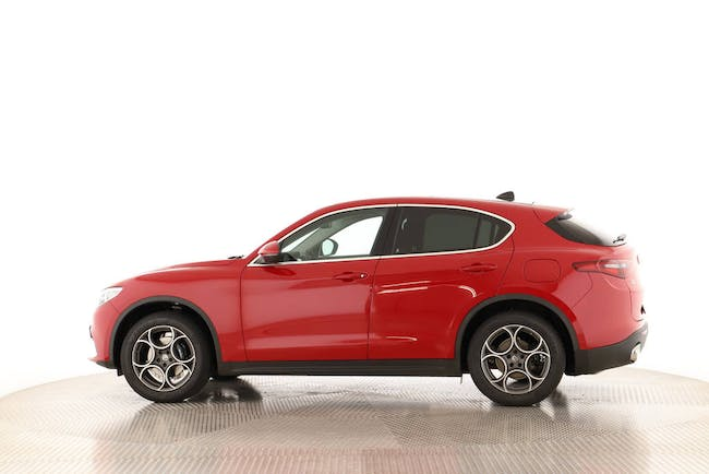 saloon Alfa Romeo Stelvio 2.2 D Q4 210 Executive