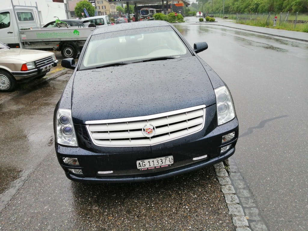 saloon Cadillac STS 4.6 V8 Sport Luxury AWD