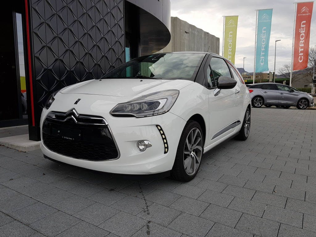saloon DS Automobiles DS3 1.2 PureTech So Irresistible