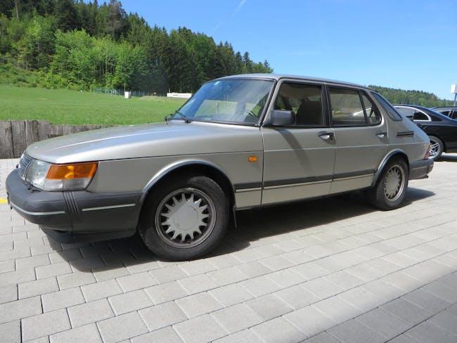 saloon Saab 900 2.0 SE