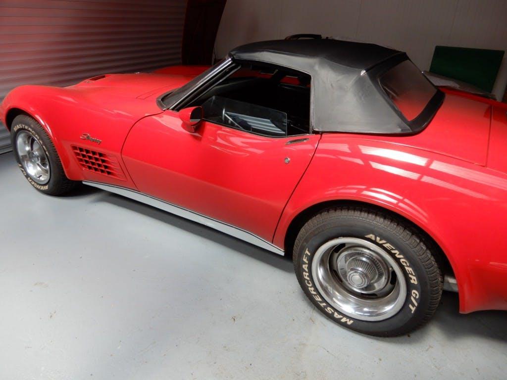 cabriolet chevrolet corvette c3 stingray 454 kaufen auf. Black Bedroom Furniture Sets. Home Design Ideas